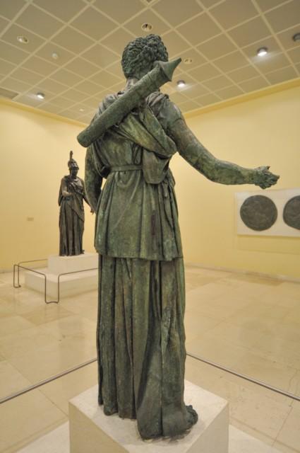 Artemis B Back