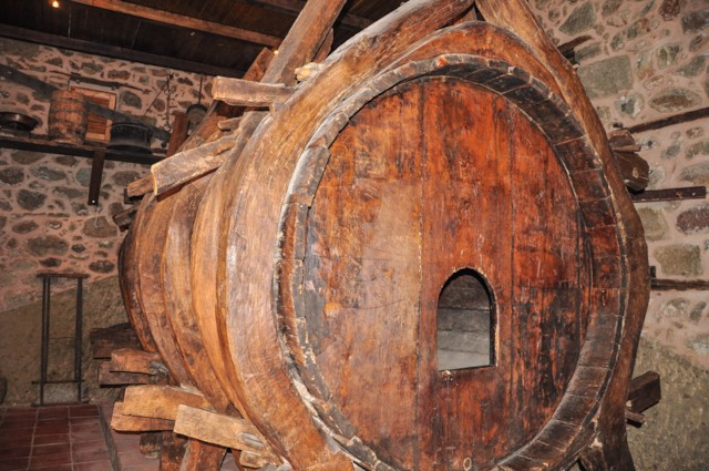 Varlaam Water Barrel