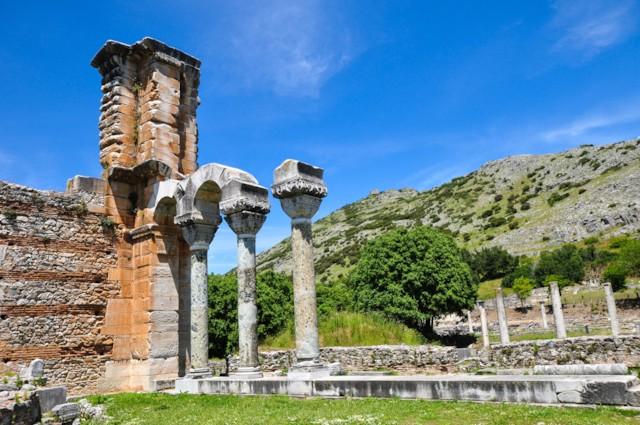 Basilica Columns