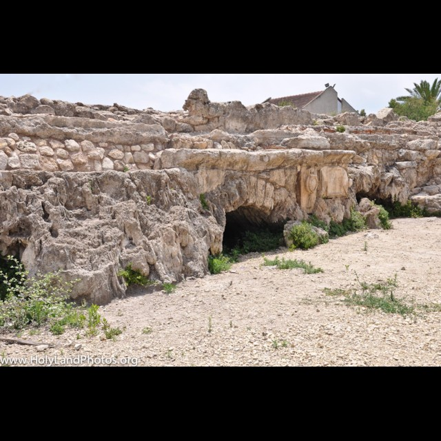 Bet Hannanya Aqueduct