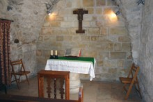 V Altar