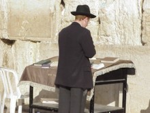 Orthodox Jew Praying (2)