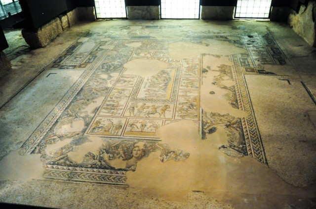 Triclinium Mosaic