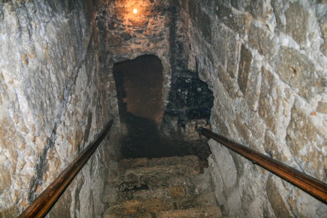 Descent to Crypt of Barnabas