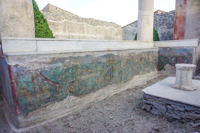 Triclinium Fresco East