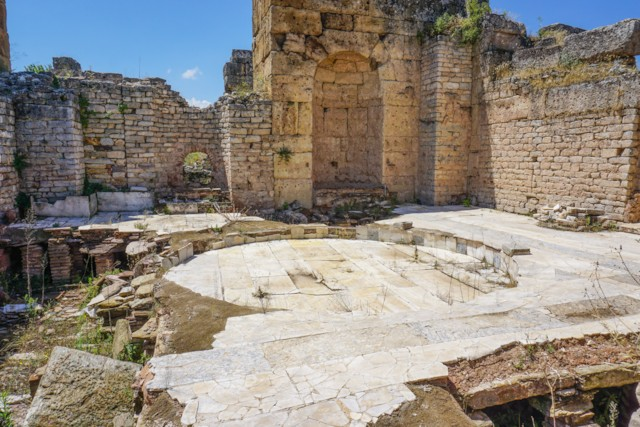 Caldarium (hot room)