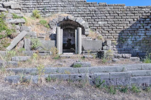 Monumetal Tomb 2