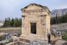 Menorah Tomb 163d