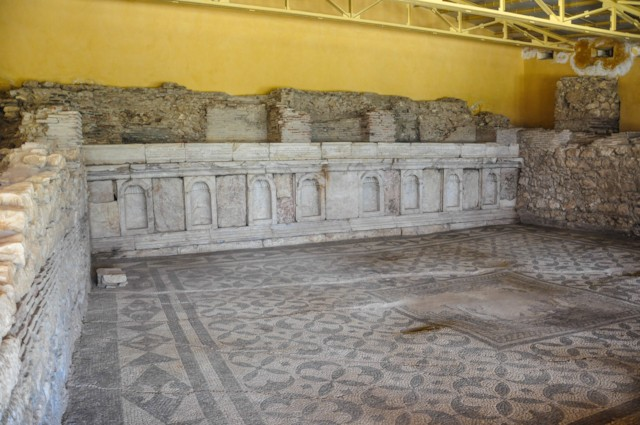 Library of Neron 1